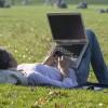 Statystyczny facebookowicz spędza w serwisie 6,5 godziny miesięcznie