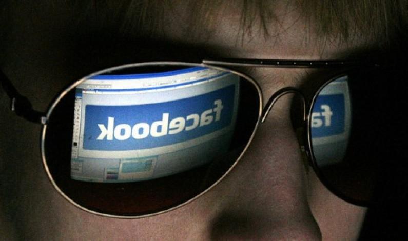 Facebook rośnie, maleje lub utrzymuje się na stałym poziomie