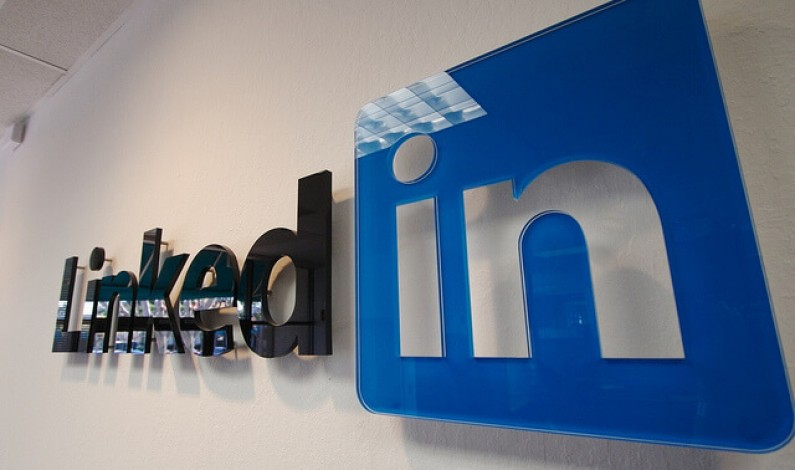 Nowości dla stron firmowych w LinkedIn: targetowanie statusów i więcej statystyk