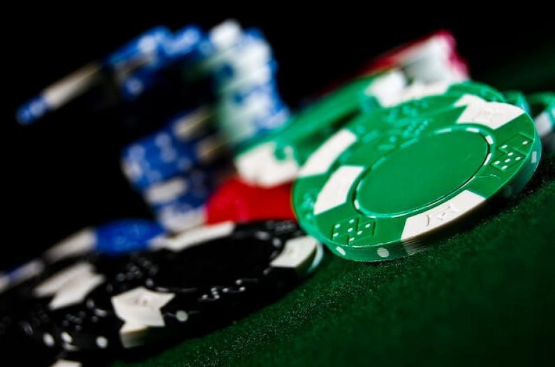 Internetowe kasyna na Facebooku?