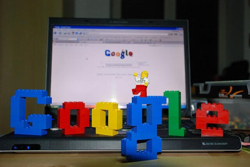 Które czynniki najmocniej wpływają na pozycję w wyszukiwarce Google?