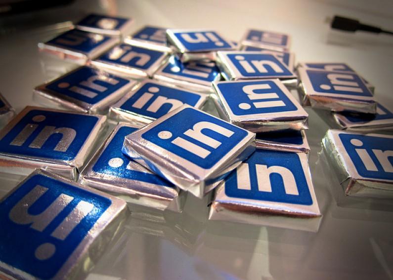 """LinkedIn wprowadza odpowiednik """"Lubię to"""""""