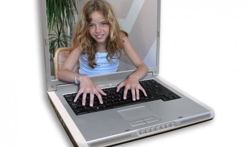 Najchętniej w internecie płacimy za gry. E-prasa i e-książki na szarym końcu
