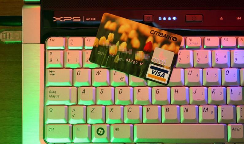 Jak płaci polski e-konsument?