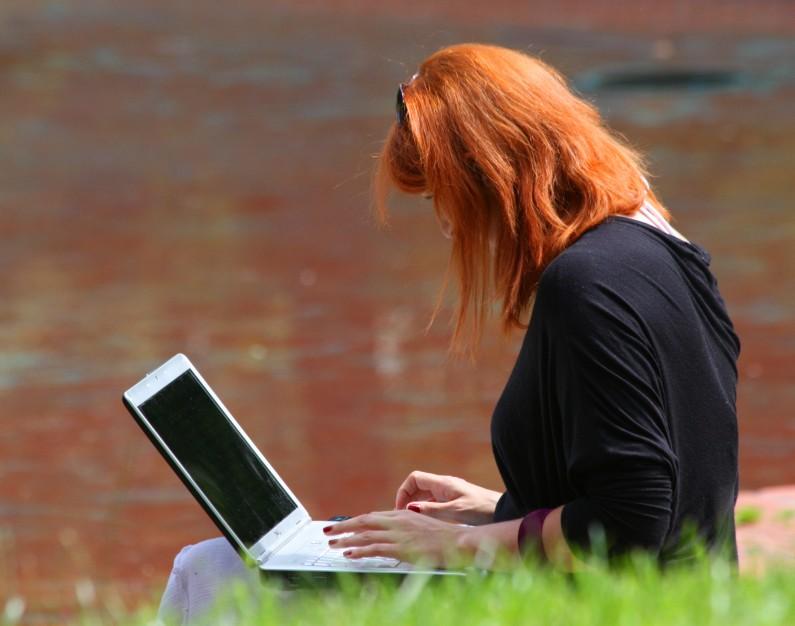 Ponad połowa Polaków korzysta z mediów społecznościowych