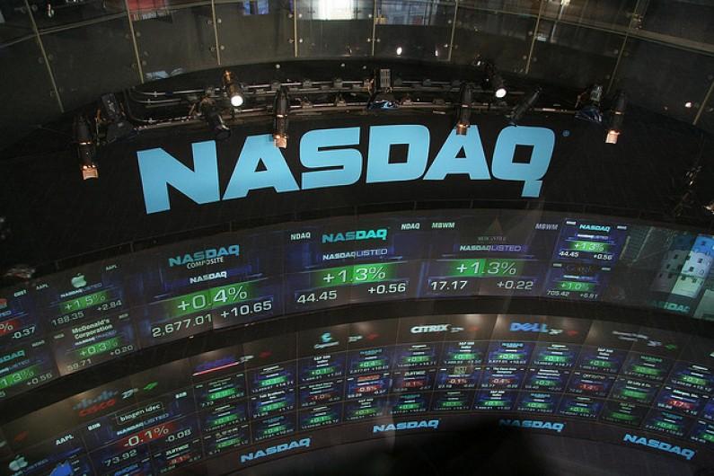 Popyt na akcje Facebooka rośnie, a wraz z nim ich cena. W piątek debiut