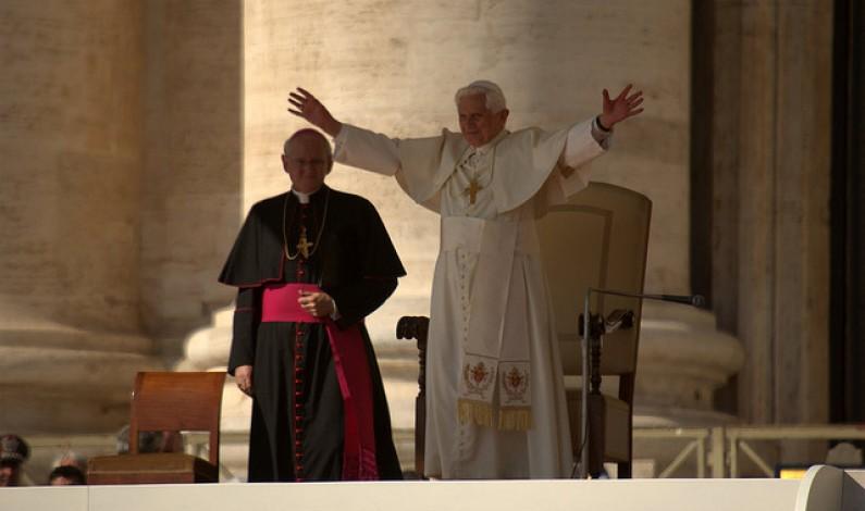 Reakcja Sieci na abdykację papieża. Czy internauci zachowali granice dobrego smaku?