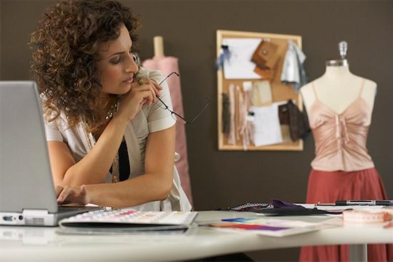 Moda na sukces: Tematyka fashion sprzedaje na Facebooku