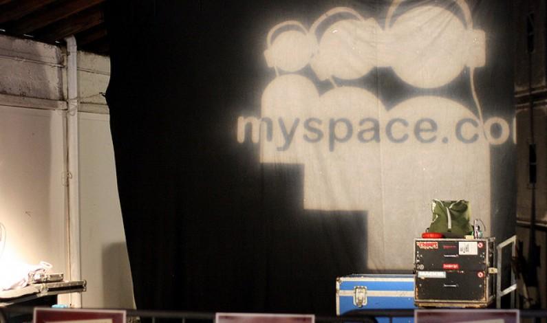 MySpace: Rośnie zarówno ruch w serwisie, jak i jego straty