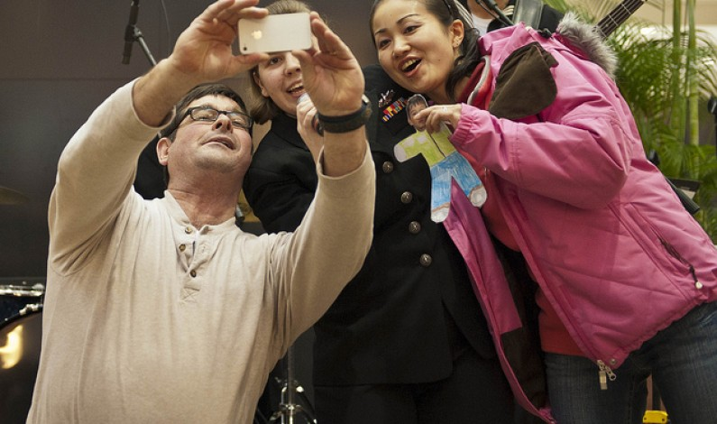 Robisz zdjęcia smartfonem? Teraz łatwiej opublikujesz je na Facebooku