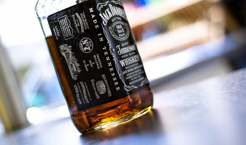 Marzec na Facebooku: marki alkoholowe wśród najbardziej angażujących