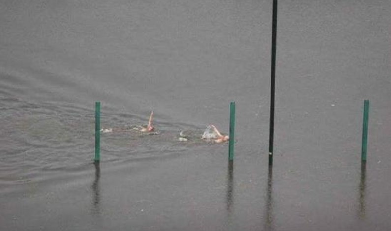 Warszawa pod wodą – twórcy memów nie próżnowali