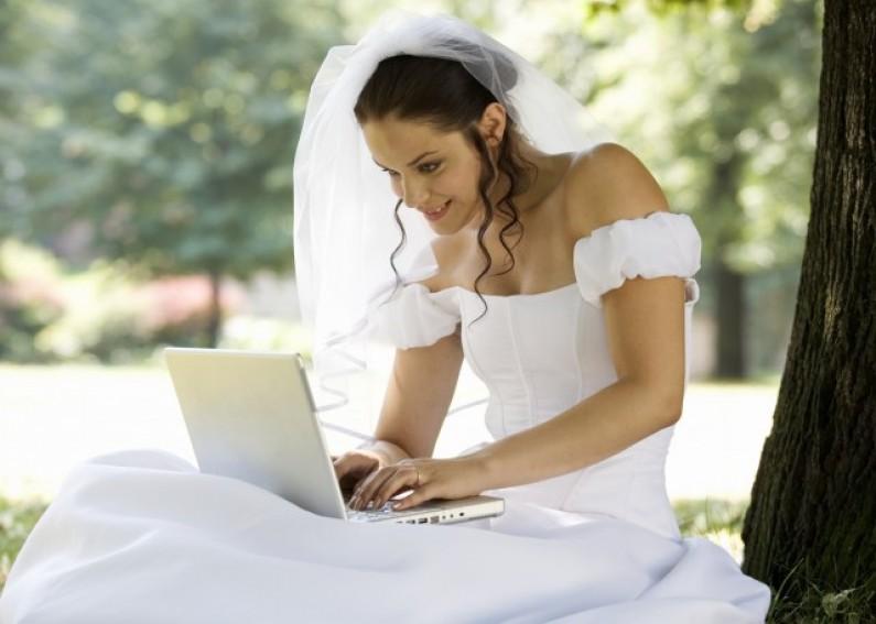 Jakie miesiące są najlepsze, by prowadzić biznes ślubny w internecie?