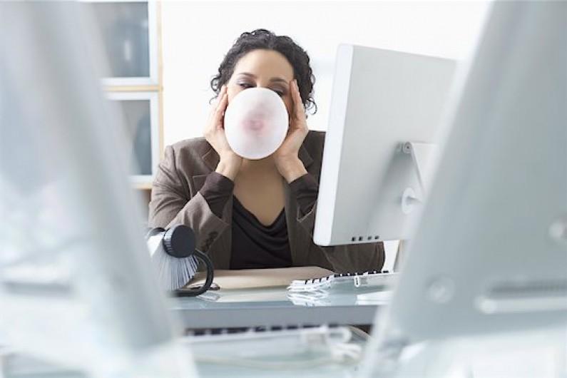 Połowa pracowników uważa, że social media zwiększają ich wydajność
