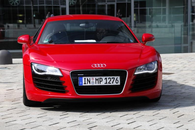 Sierpień na polskim Facebooku: Audi Polska i Heyah angażowały najbardziej. Gdzie Serce i Rozum?