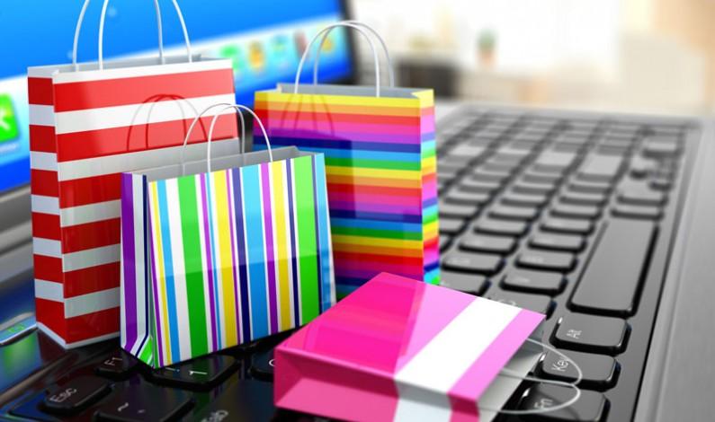 Zakupy online latem – jakie produkty cieszą się największym zainteresowaniem internautów?