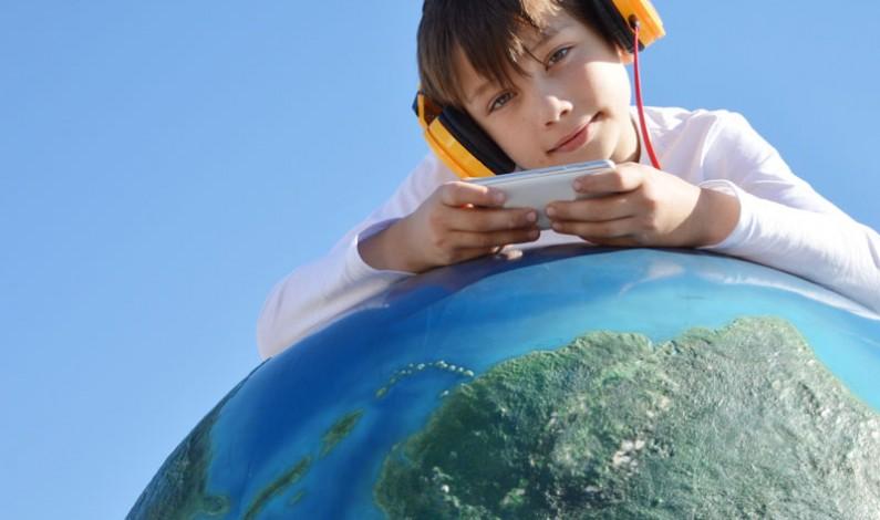 """Dzieci opowiadają o nowych technologiach w ich życiu – generacja """"Z"""" pod lupą"""