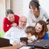 Babcie i mamy odkrywają Twittera i Facebooka