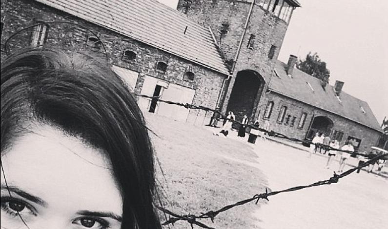 Selfie w Auschwitz – zabronione czy dozwolone?
