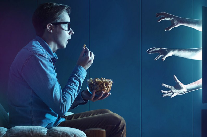 Zmieniony algorytm Facebooka – tym razem na świeczniku filmy