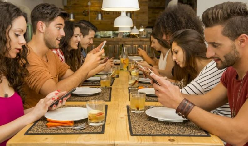 Koniec z kolejkami po stolik w restauracji? Google Search pomoże