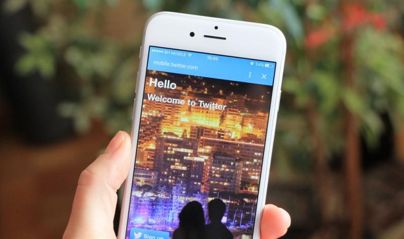 Prawie 6 tysięcy tweetów #HelloWorld w trzy dni. O co chodzi?