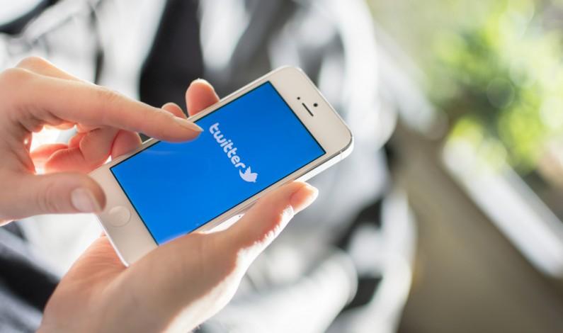 Twitter stara się upodobnić do Messengera i aktualizuje Wiadomości