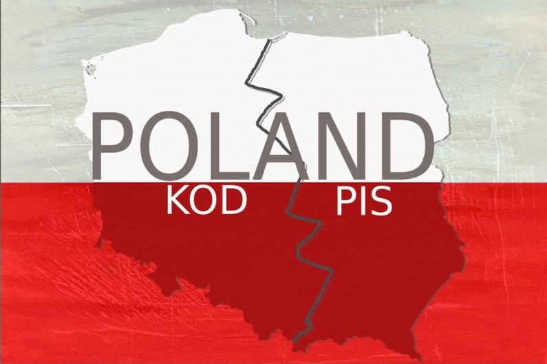 """Polscy użytkownicy Facebooka podzieleni na PIS i """"antyPIS"""" – prawda czy złudzenie?"""