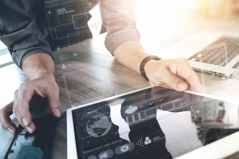 Kluczowe punkty i zasady przy konstruowaniu umów na audyty SEO i UX