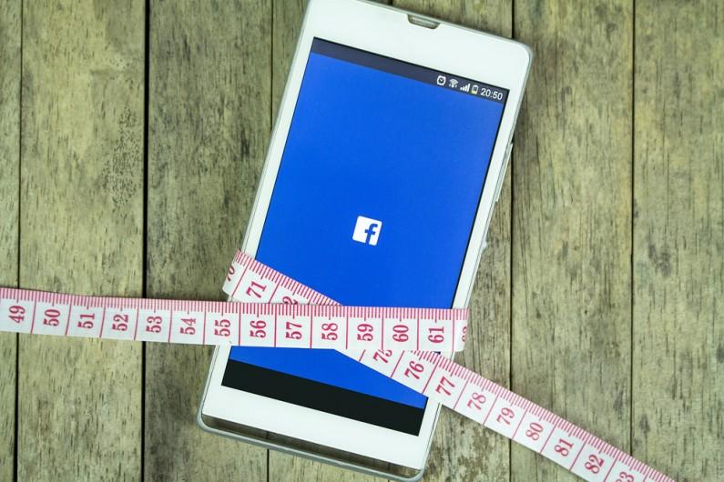 """""""Za gruba na Fejsa"""" – Facebook nie zaakceptował zdjęcia modelki plus-size"""