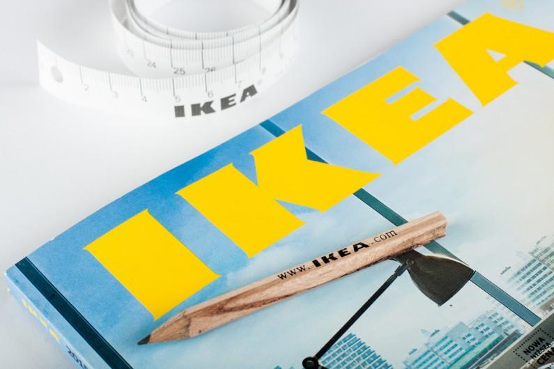 """IKEA znowu """"wygrywa Internety""""! Marka w mistrzowski sposób zareagowała na propozycję współpracy od Kanye'go Westa"""