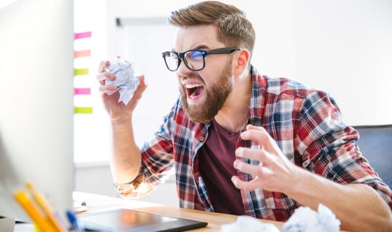Dlaczego portale społecznościowe wywołują u nas frustrację? (badanie)