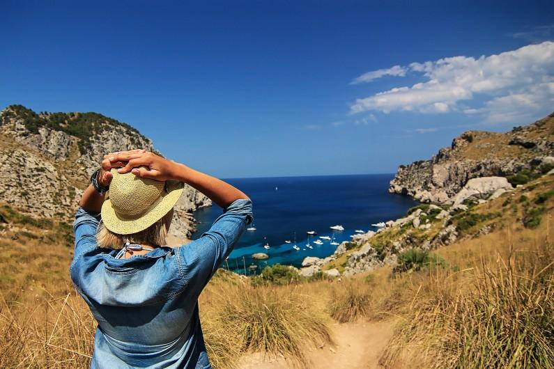 Facebook wspiera branżę turystyczną