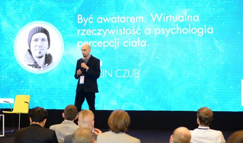 VR w terapii bólu – wywiad z Marcinem Czubem