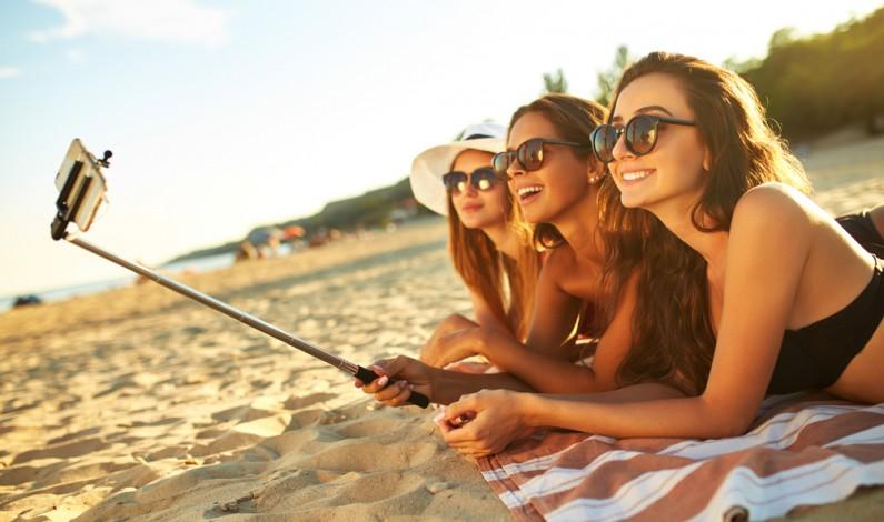 Instagramowa pocztówka z wakacji – z jakich miejsc publikujemy najczęściej?