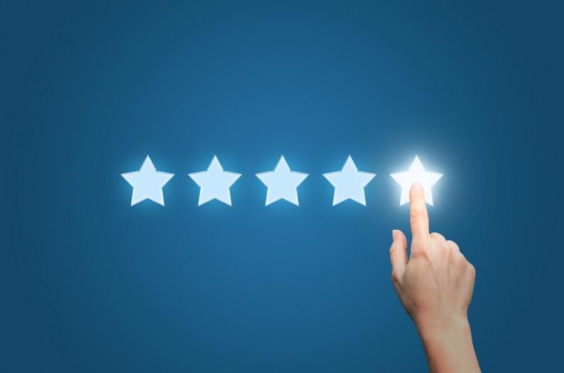 Trwają testy nowego systemu oceniania i recenzji Stron na Facebooku