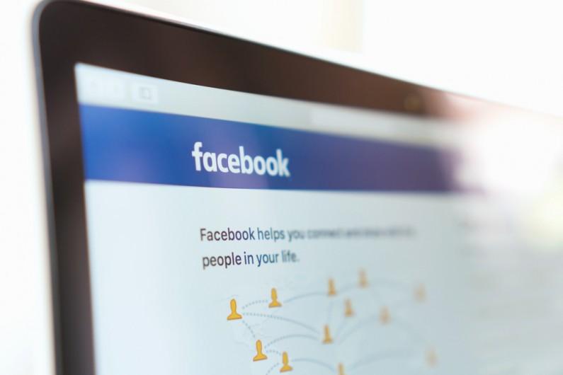 Facebook po raz pierwszy prezentuje zasady prywatności