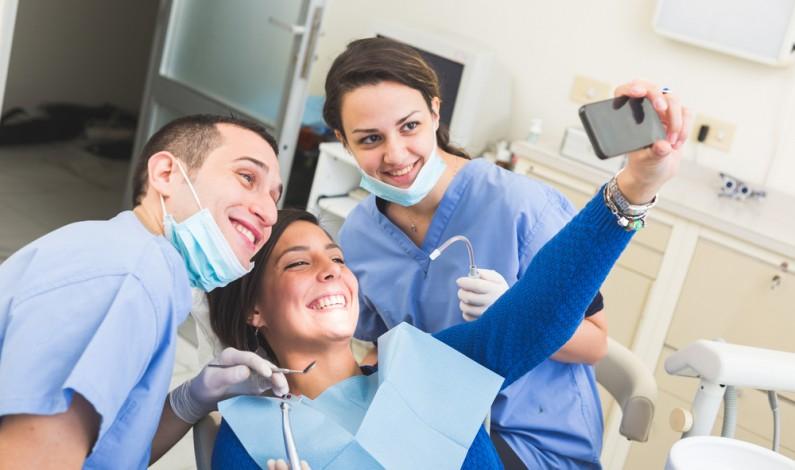 Czy Twój lekarz korzysta już ze Snapchata? Nowy trend wśród specjalistów