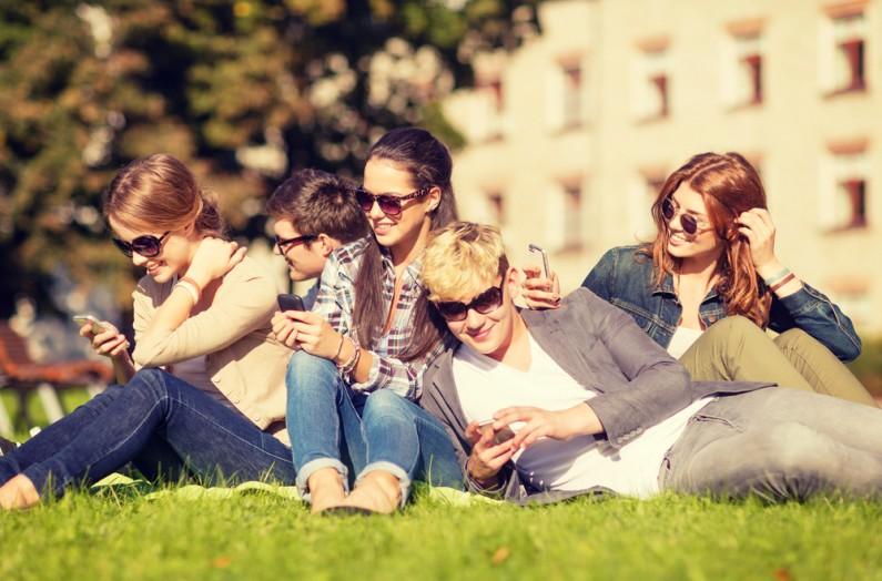 Jak różnią się grupy odbiorców na Facebooku, Snapchacie i Instagramie?
