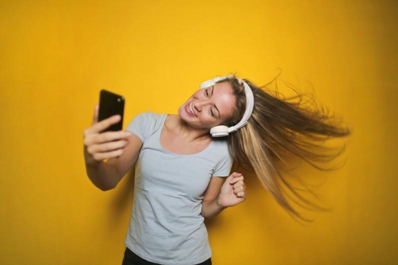 Lip Sync Live, czyli nowe sposoby dzielenia się muzyką na Facebooku
