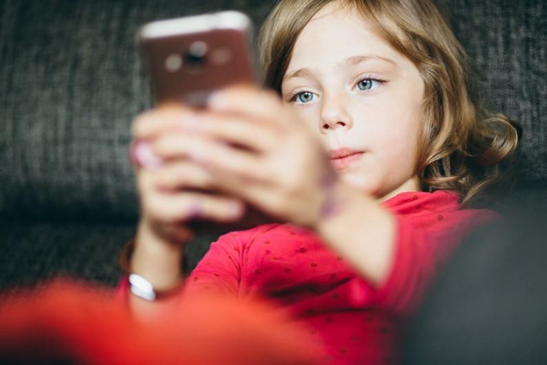 Urządzenia mobilne bardziej atrakcyjne dla dzieci niż słodycze