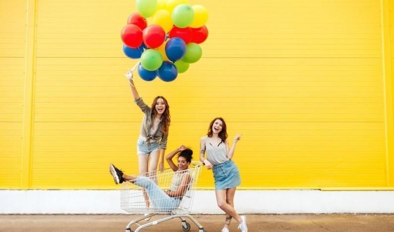 Jakie reklamy wpływają na decyzje zakupowe poszczególnych pokoleń?