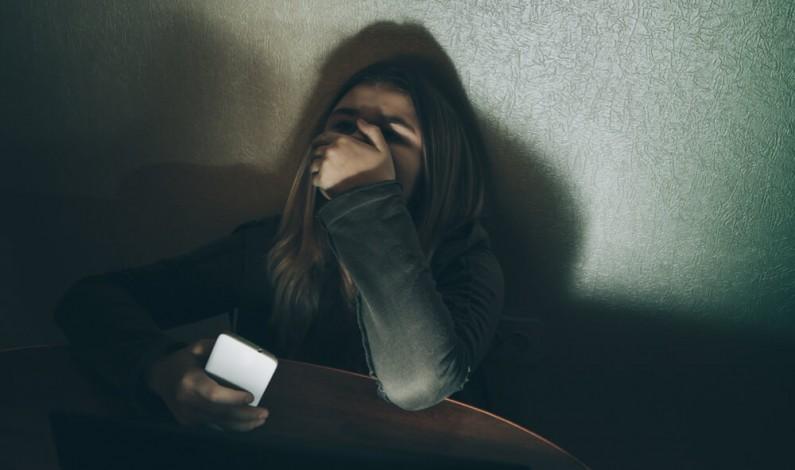 16-latka popełniła samobójstwo po przeprowadzeniu ankiety na Instagramie