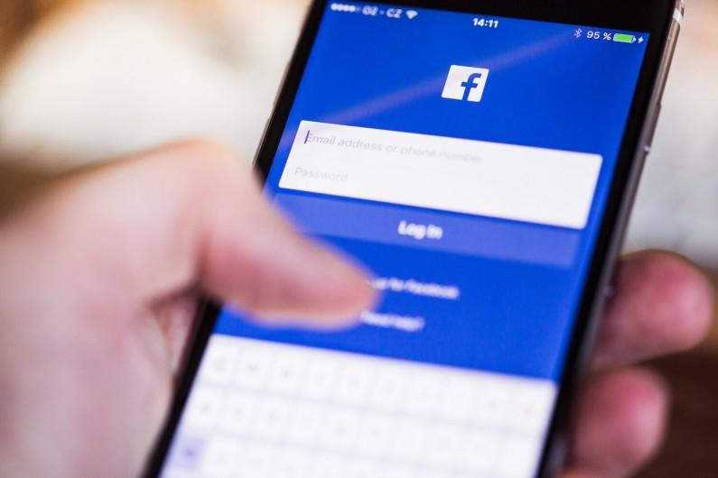 Facebook intensyfikuje walkę z nadużyciami dotyczącymi zdjęć i filmów
