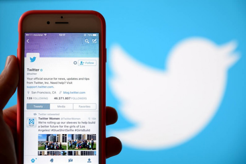 Funkcja wyszukiwania w wiadomościach prywatnych na Twitterze już dla użytkowników iOS