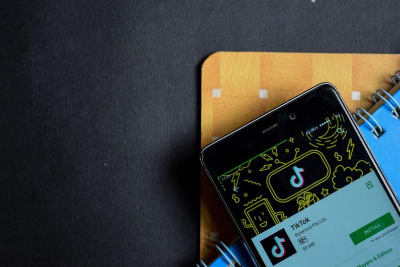 TikTok staje się platformą do e-learningu! Jak to możliwe?