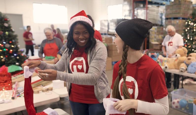 Facebook wspiera organizacje non-profit przed Świętami
