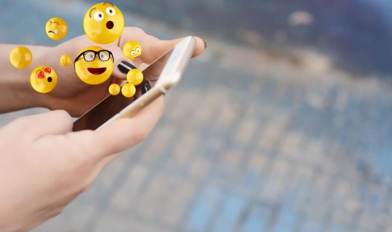 Twitter dodaje reakcję emoji do wiadomości bezpośrednich