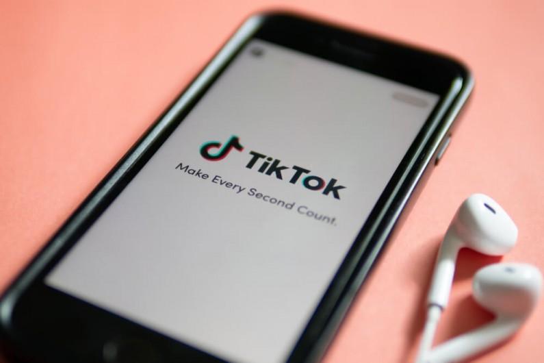 TikTok dba o bezpieczeństwo i dobre samopoczucie użytkowników