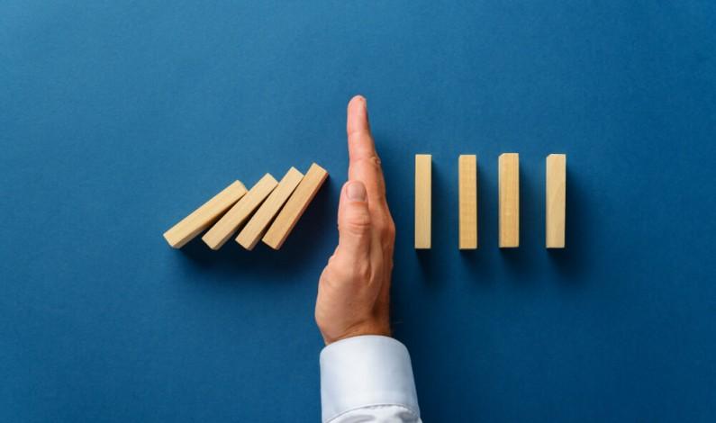 """Jakie prowadzić działania marketingowe w czasie kryzysu? Poradnik """"Marketing vs. recesja"""""""